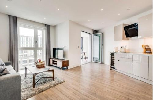 Aldgate East Apartment