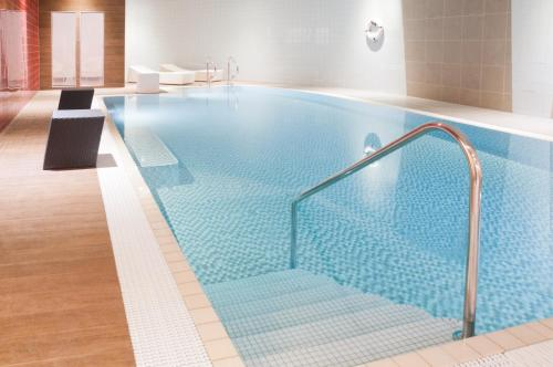 The swimming pool at or close to Novotel Liverpool Centre