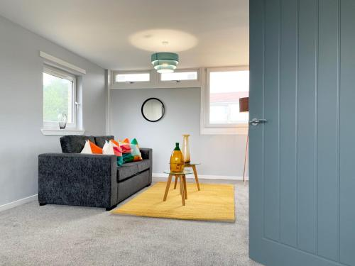 Queensway Apartment