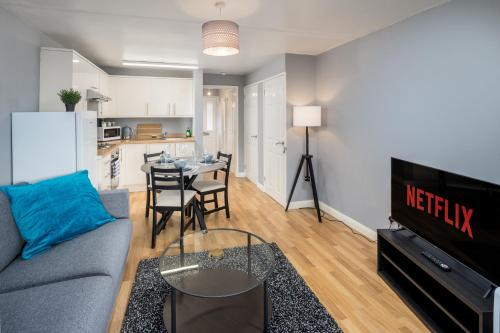 Sublime Stays Caledonian House near Gatwick Airport