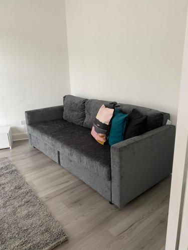 A seating area at Union Street Apartment