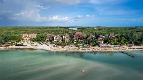 Blick auf Villas Flamingos Beach Front aus der Vogelperspektive