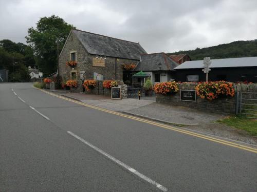 Sgwd Gwladys Lodge