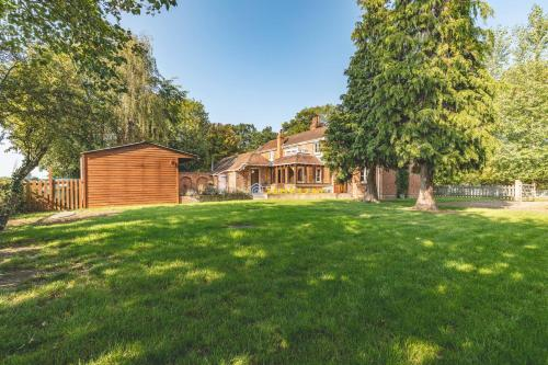 Chestnut Cottage - Stunning Countryside Views! PARKING, 4 BED, 3 BATHROOMS