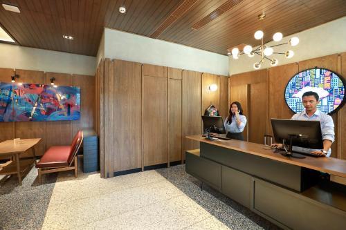 The lobby or reception area at Swiss-Belinn Wahid Hasyim