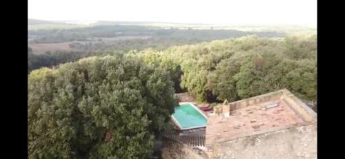 A bird's-eye view of Studio Gard calme et nature
