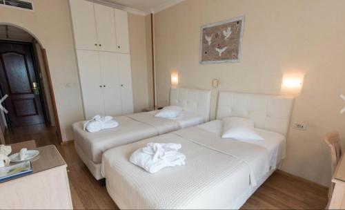 O cameră la Hotel London