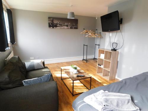 DJS - 4 Bedroom city centre