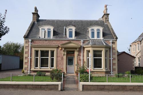 Corunna Bed & Breakfast and Garden Cottage