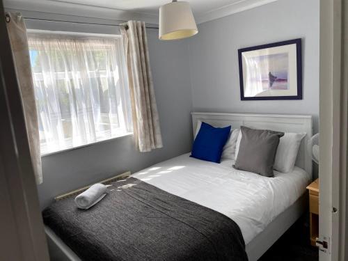 Chelsea Garden - Huku Kwetu- Luton - L&D Hospital - London -M1- Airport - Short and Long Stay