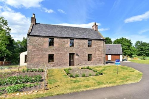 Dalgety Farmhouse