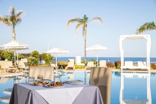 Εστιατόριο ή άλλο μέρος για φαγητό στο Sentido Asterias Beach Resort