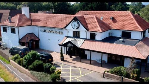 Crowwood Hotel and Alba Restaurant