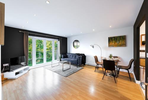 Mayfair Court , 2 bed and 2 bathroom with WIFI in Watford