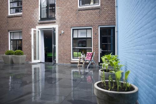 A porch or other outdoor area at Dudok Studio's Arnhem