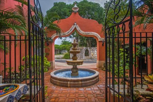 Jardín al aire libre en Hacienda San Miguel Hotel & Suites