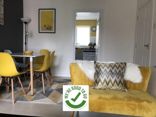 Ardenlee - Stylish 3 bed apt close to city, parking and WIFI