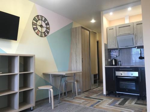 A kitchen or kitchenette at Апартаменты Вид на Море АЗИМУТ