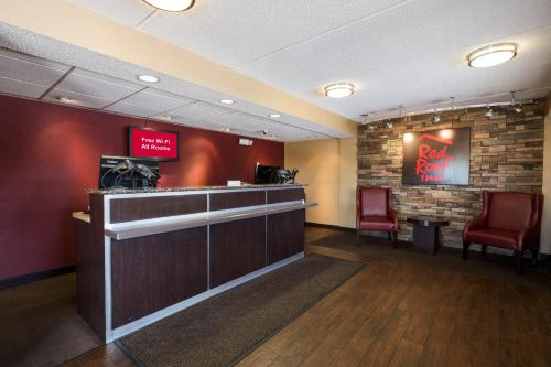 The lobby or reception area at Red Roof Inn West Monroe