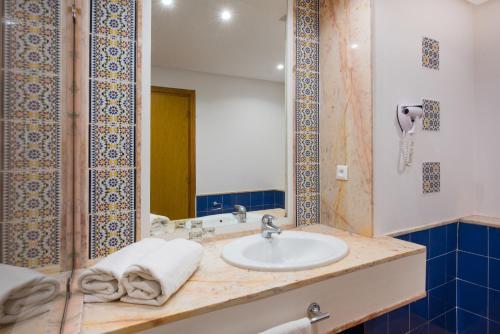 A bathroom at Iberostar Founty Beach
