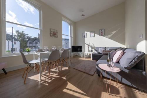 Apartment 1 Isabella House, Aparthotel, By RentMyHouse