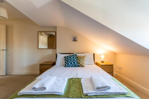 Central Old Town - Westlecot House - Spacious 2 Bedroom, 2 Bathroom Apartments