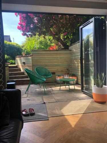 Chorlton Garden Rooms. Relax, work, stay and play.