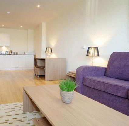 A seating area at Reading Serviced Apartments