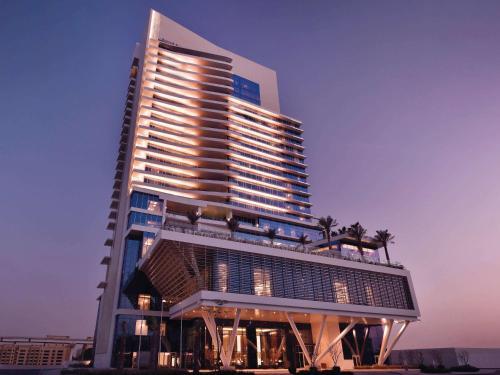 Дубай отель мовенпик 5 продажа недвижимости в европе от собственника