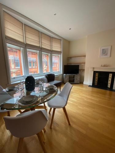 Central Location - 2 Bedroom Apartment
