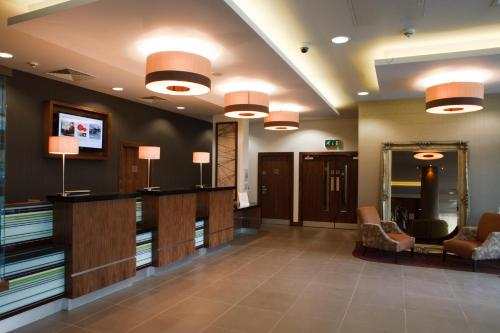 The lobby or reception area at Jurys Inn Bradford