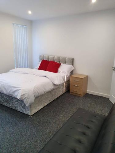 Deluxe En-suite room near London & HP World