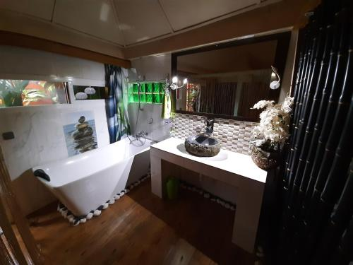 Ванная комната в Afrik Casa Hotel