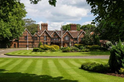 Macdonald Alveston Manor Hotel & Spa
