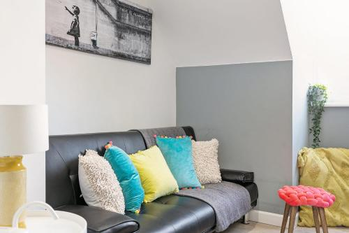 The Marsh Loft - Bristol City Centre Apartment - Sleeps 5