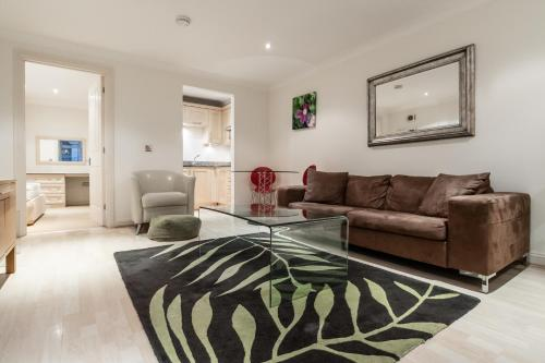 1 bedroom in Kew Gardens - Clarendon Garden