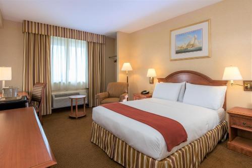 A room at Five Towns Inn - JFK Airport