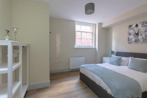 Apartment 4, Isabella House, Aparthotel, By RentMyHouse