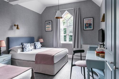 A room at Craig Manor Hotel