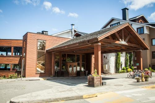 Fachada o entrada de Hotel Cabaña Del Lago Puerto Varas