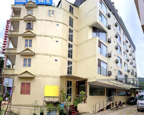 The facade or entrance of Hoang Ngoc Hotel