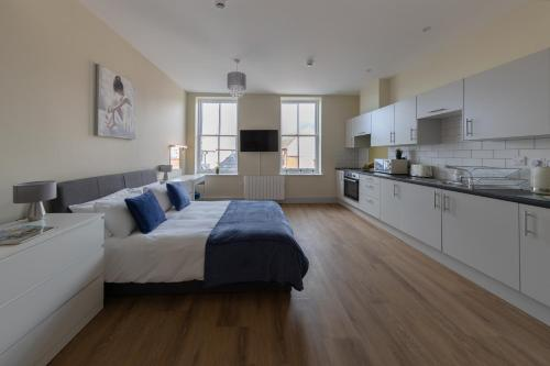 Apartment 7, Isabella House, Aparthotel, By RentMyHouse