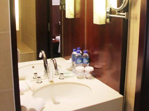 A bathroom at Mercure Beijing Wanshang