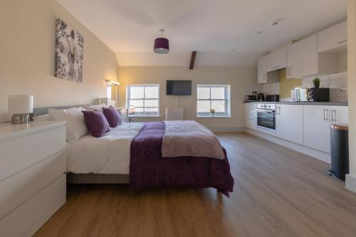 Apartment 10, Isabella House, Aparthotel, By RentMyHouse