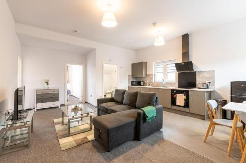 Spacious 2 Bedrooms, Netflix, free Parking, close to A1