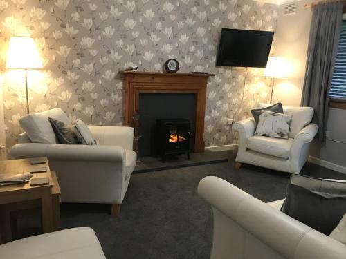 3 bedroom apartment - Trinity, Edinburgh