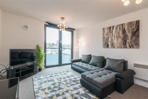 Hippodrome Apartment, Open Plan with Juliette balconies