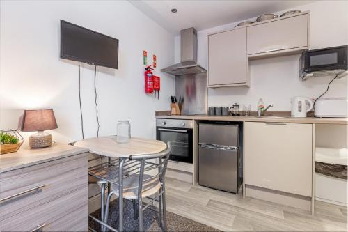 Flat 2, 15 Foregate Apartment - Worcester City Centre
