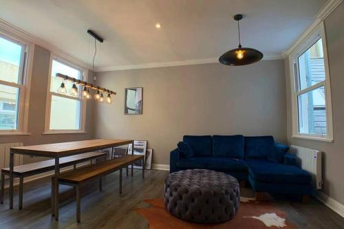 Contemporary Apartment in Central Hove
