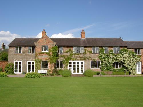 Manor Farm Egerton